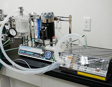 人工呼吸器と麻酔装置